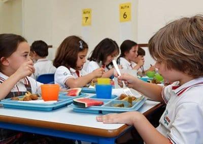 Niños-comedor-primaria